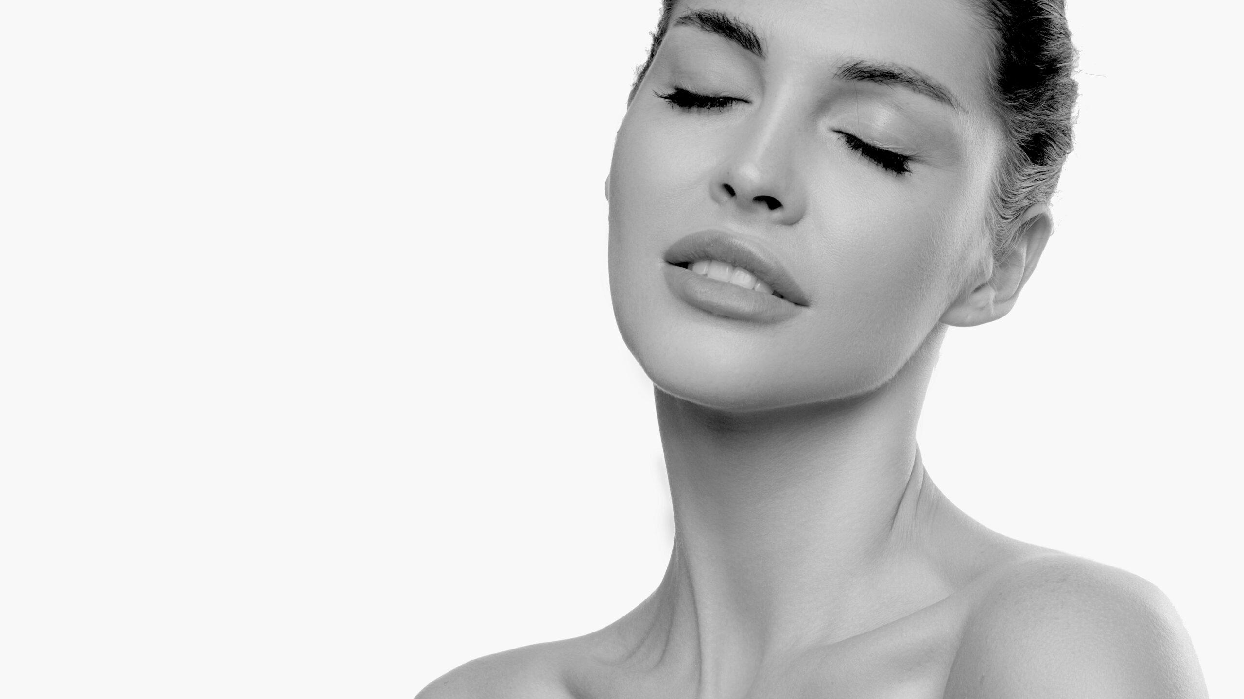raffaella-cremonesi-sito-chirurgo-estetico-erba-dottoressa-trattamenti-collo-viso-e-corpo-chirurgia-ambulatoriale-sito